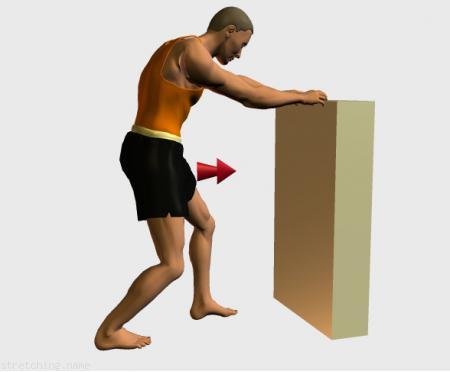 Estiramiento (stretching, streching) recomendado para: atletismo, senderismo, golf, esquí, correr, piernas, gemelo.